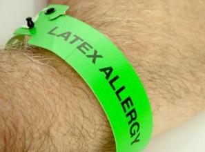 Как проявляется аллергия на латекс у женщин и мужчин